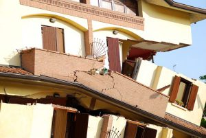 Earthquake: the unexpected can ruin your life