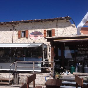 Bar and shop in the trailer in Castelluccio