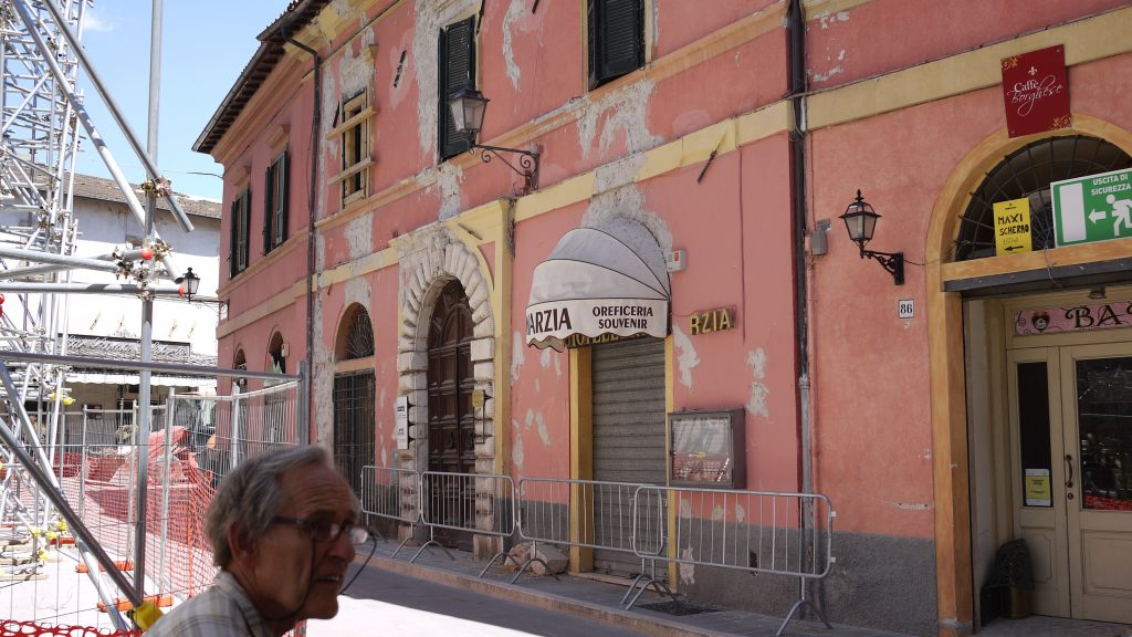 Commercial activities in Norcia - closed